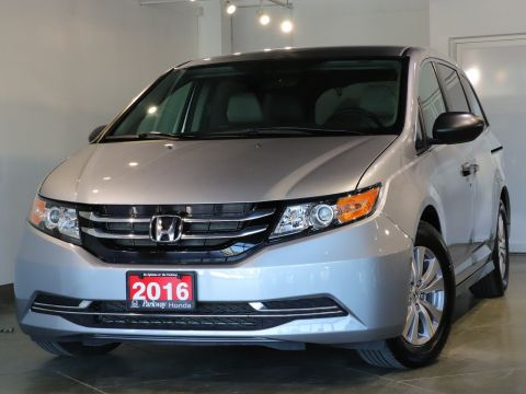 Pre-Owned 2016 Honda Odyssey SE - ACCIDENT FREE SPACIOUS FIT THE WHOLE TEAM! FWD Mini-van, Passenger