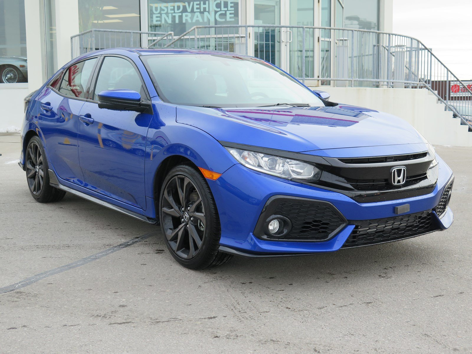 new 2018 honda civic hatchback sport touring hatchback in toronto 829008 parkway honda. Black Bedroom Furniture Sets. Home Design Ideas